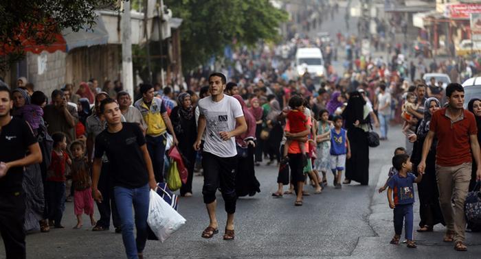 اتحاد لجان المرأة الفلسطينية يفتح مقاره أمام الناحين من الشجاعية وبيت حانون
