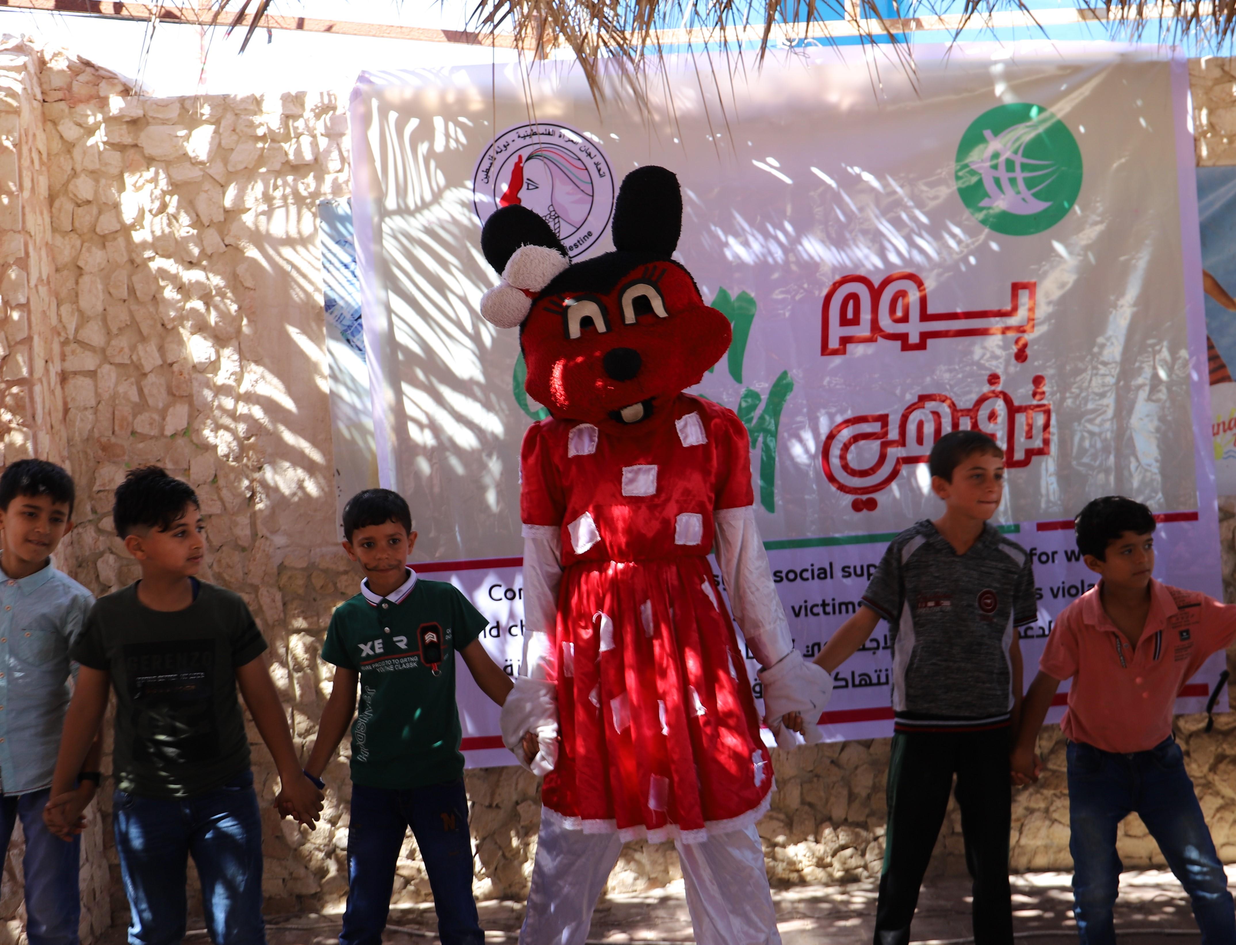 غزة- اتحاد لجان المرأة ينفذ يوما ترفيهيا لأطفال محافظات غزة