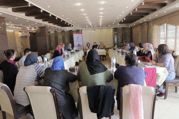 مناقشة مسودة دراسة خاصة بواقع المشاركة السياسية للمرأة سيصدرها اتحاد لجان المرأة الفلسطينية.