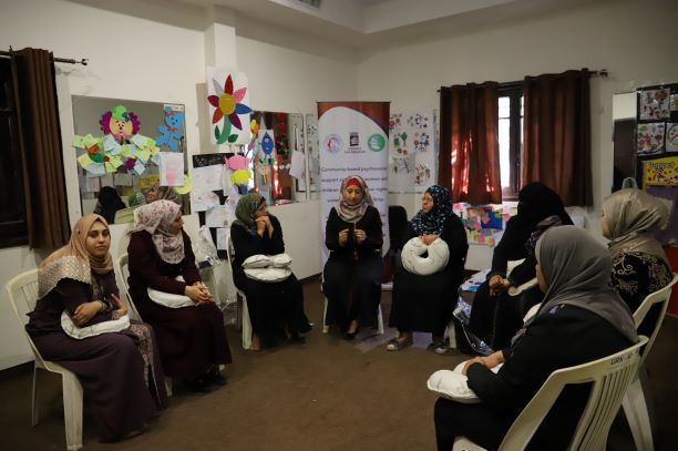 اتحاد لجان المرأة الفلسطينية يختتم جلسات الدعم النفسي الجماعي للسيدات.