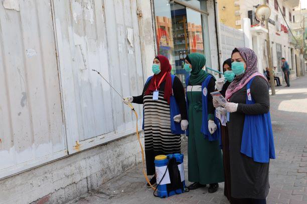 اتحاد لجان المرأة يواصل تنفيذ حملات وأنشطة لمواجهة فيروس كورونا.