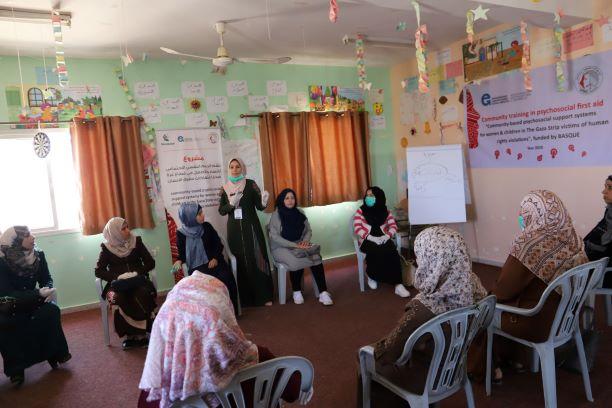 اتحاد لجان المرأة الفلسطينية ينفذ سلسلة من لقاءات الإسعافات الأولية النفسية.