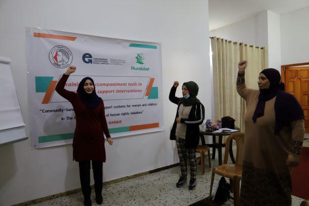 """اتحاد لجان المرأة الفلسطينية يختتم تدريبا حول """"آليات وتقنيات التنشيط""""."""