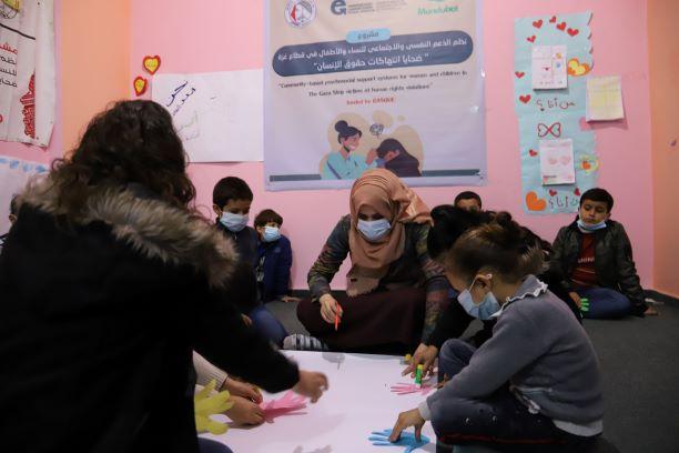 اتحاد لجان المرأة يستمر في تنفيذ جلسات الدعم النفسي لفئاته