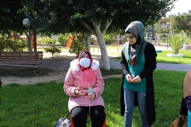 ابتسام سلامة .. سيدة فلسطيينية تؤكد أن للدعم النفسي دورا هاما في الشفاء ..