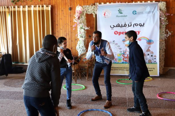 اتحاد لجان المرأة الفلسطينية ينفذ يوما ترفيهيا لأطفال مدينة النصيرات